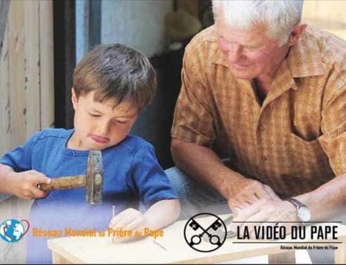 La Vidéo du Pape – Décembre 2017 – Le pape François appelle à prier pour les personnes âgées et l'éducation