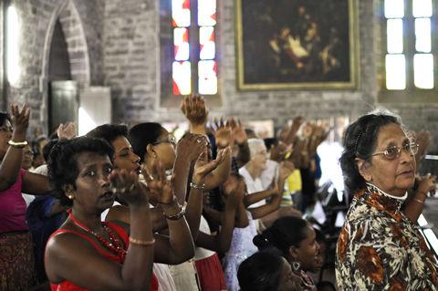 Célébration dans l'église Saint François Xavier le 4 décembre 2011