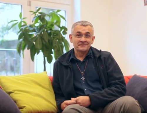 En vidéo : portrait du P. Sylvain Cariou-Charton sj