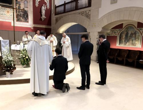 Premiers vœux de trois novices jésuites
